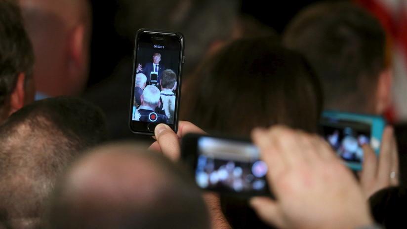 Un autor de 'Star Trek' predijo los 'smartphones' y el peligro que conllevan