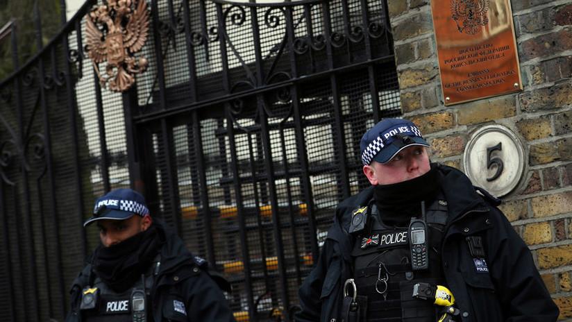 """Embajada rusa acusa a Londres de """"hipocresía"""" por negarles el acceso a la hija de Skripal"""
