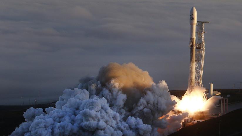 SpaceX fracasa al realizar un descenso controlado de uno de los elementos del Falcon 9