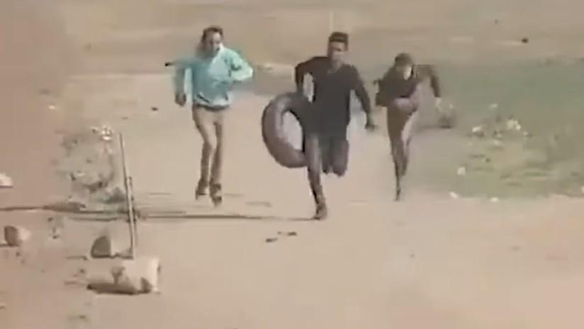 FUERTE VIDEO: Un francotirador israelí mata a un palestino desarmado en la frontera de Gaza