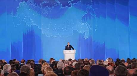 El presidente ruso, Vladímir Putin, durante su mensaje anual dirigido al Parlamento ruso. Moscú, 1 de marzo de 2018.