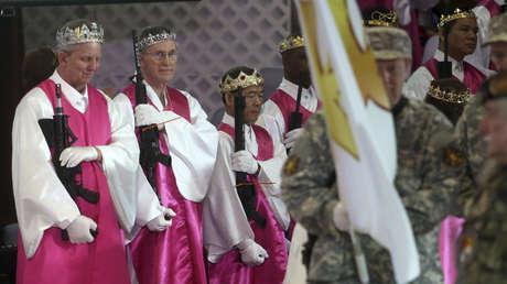 Servicio en el santuario de la Iglesia de la Unificación, Newfoundland, Pensilvania, EE.UU.