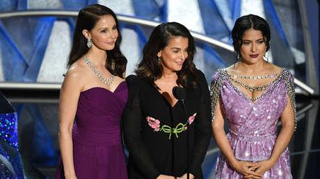 Ashley Judd, Salma Hayek, and Annabella Sciorra en la 90° entrega de los premios Oscar en Los Ángeles, 4 de marzo de 2018