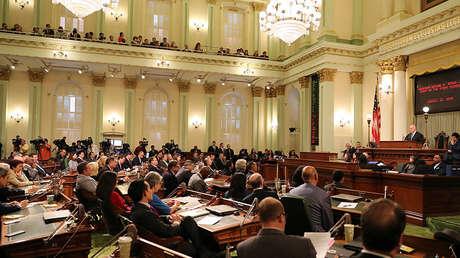 El gobernador Jerry Brown pronuncia su discurso final sobre la situación del estado de California el 25 de enero de 2018.