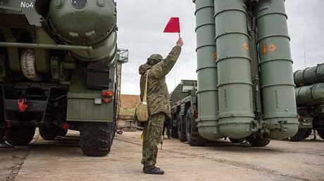 Sistema S-400 Triumf en Sevastopol, Crimea, Rusia, 13 de enero de 2018