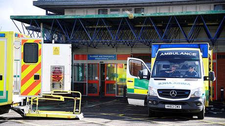 Ambulancias fuera de la sala de emergencias del hospital de Salisbury, Reino Unido, el 6 de marzo de 2018.