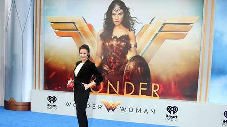 """La actriz Lynda Carter durante el  estreno mundial de la película """"La Mujer Maravilla"""" en Hollywood, California (EE.UU.), el 25 de mayo de 2017."""