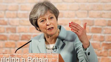 La primera ministra británica, Theresa May, da un discurso en Londres, 5 de marzo de 2018.