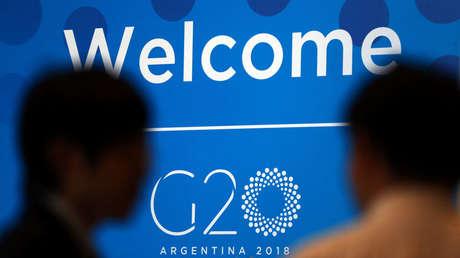 Cartel de bienvenida a la cumbre de ministros de Economía del G20, Buenos Aires, Argentina 19 de marzo de 2018