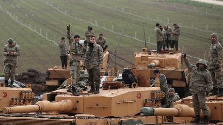 Soldados turcos cerca de la frontera turcosiria, Hatay, Turquía, 23 de enero de 2018.