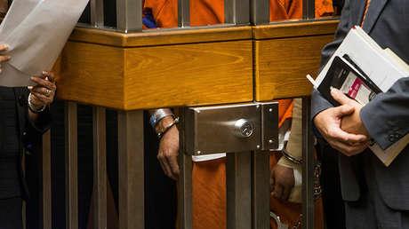 Luis Enrique Monroy-Bracamontes es procesado en la Corte Superior de Sacramento el 28 de octubre de 2014.