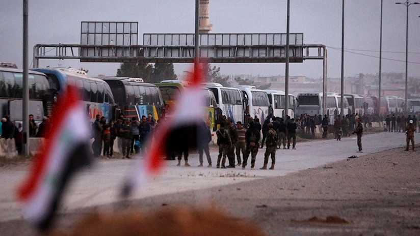 Comienza la evacuación de rebeldes sirios de la última localidad insurgente en Guta Oriental