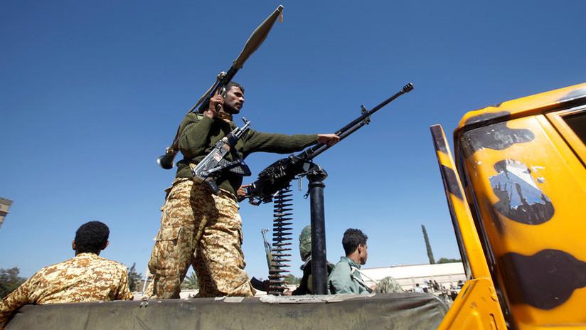Un petrolero saudí es atacado por rebeldes hutíes en el mar Rojo
