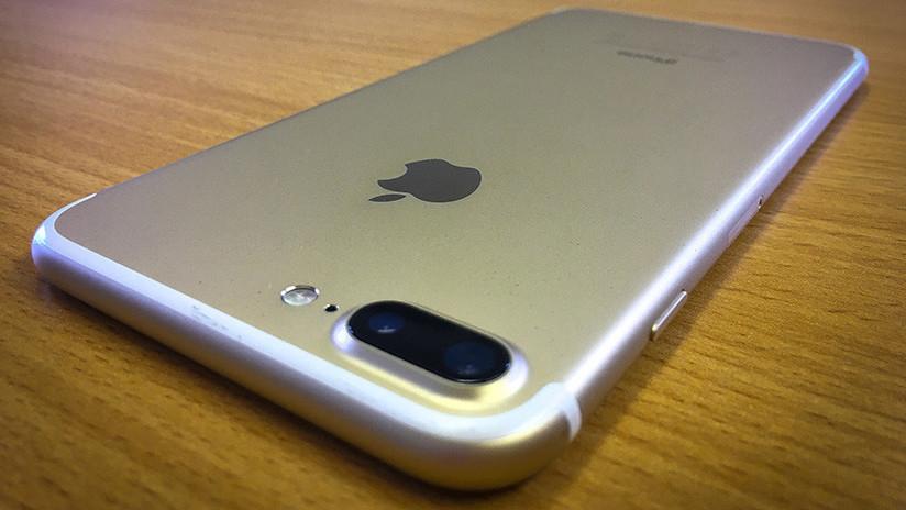 FOTO: Un joven se jacta de su nuevo iPhone en Facebook y le revelan una incómoda verdad