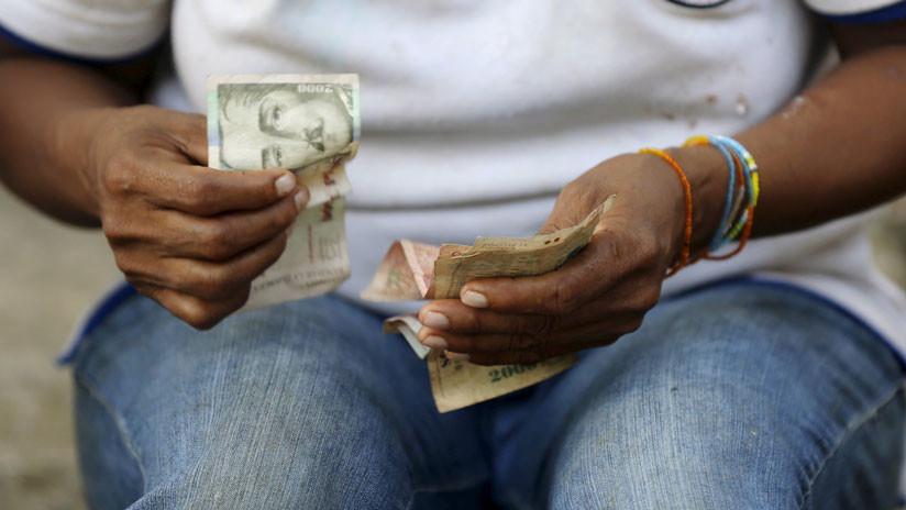 Árboles 'de dinero' hacen saltar a la gente en dos urbes colombianas (VIDEO, FOTOS)