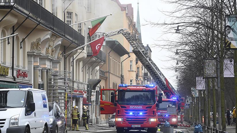 FOTOS: Arde en Estocolmo un edificio que alberga cuatro embajadas