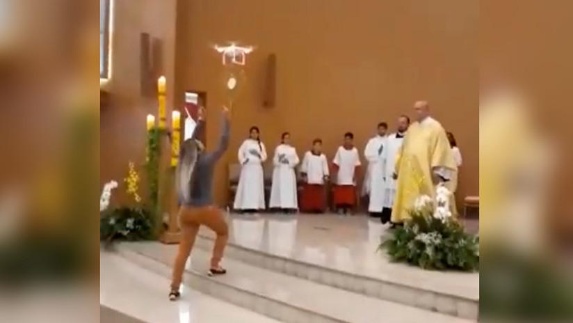 ¿Profanación de la Eucaristía? Un dron lleva la hostia durante una misa en Brasil (VIDEO)