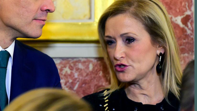 El máster de la presidenta de Madrid llega a la Fiscalía: Una profesora niega haber firmado el acta