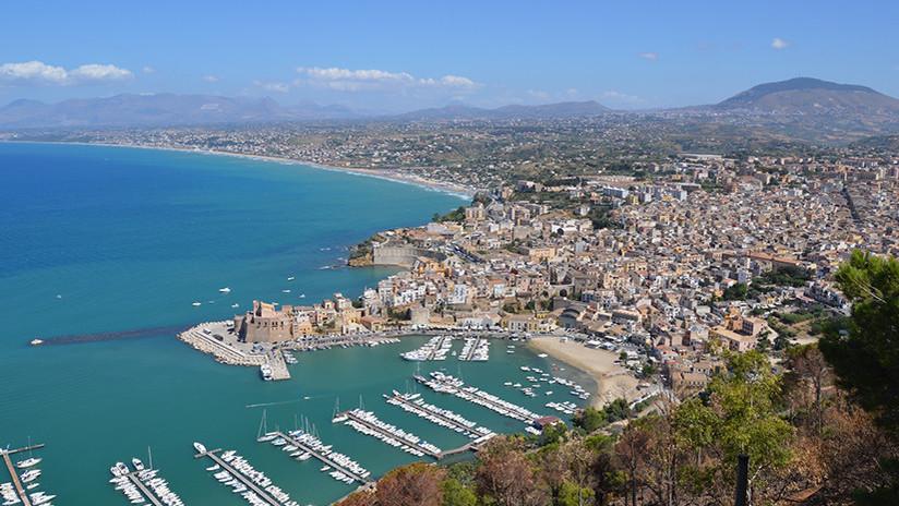 """""""Llevamos 30 años así"""": En un ayuntamiento de Sicilia más de 20 empleados no van a trabajar"""