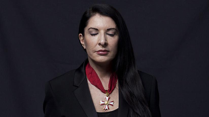 '¿Pero qué rayos es esto?': La artista Marina Abramović se electrocutará con un millón de voltios
