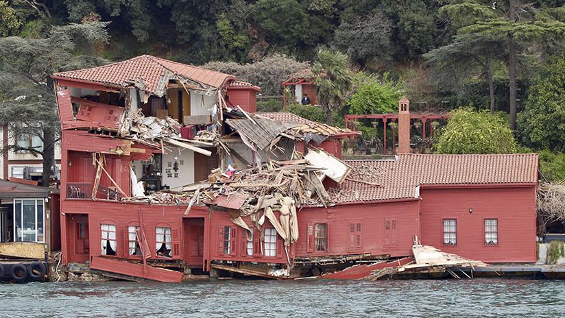 VIDEOS: Un buque de 200 metros se estrella contra una mansión histórica en Estambul