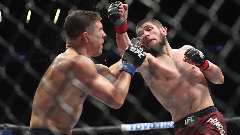VIDEO: El luchador ruso Jabib Nurmagomédov le arrebata el cinturón del UFC a McGregor