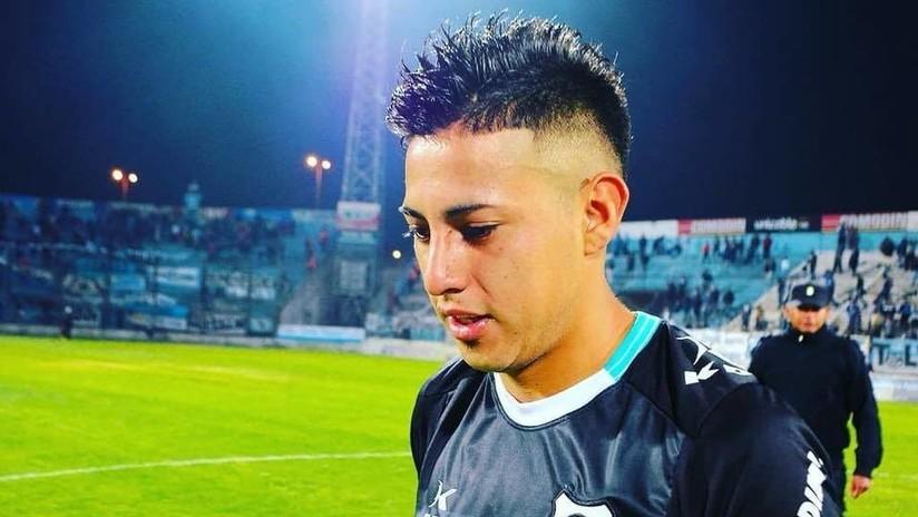 VIDEO: Futbolista argentino sufre fractura de cráneo tras un violento codazo