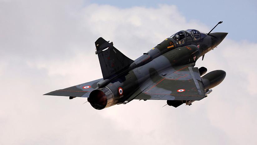 """""""Escuchamos un gran impacto"""": Una bomba inerte cae de un avión por accidente en Francia"""