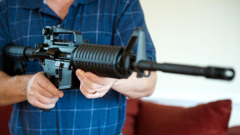 EE.UU.: detienen a un niño de 12 años armado con un AR-15 y a su hermano mayor con una pistola