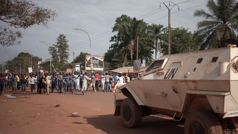 FOTOS: Dejan 17 cadáveres frente a misión de la ONU en República Centroafricana como protesta