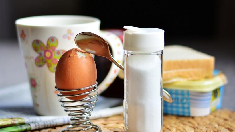 FOTO: Publica la imagen de un desayuno para que alaben su ingenio y le humillan
