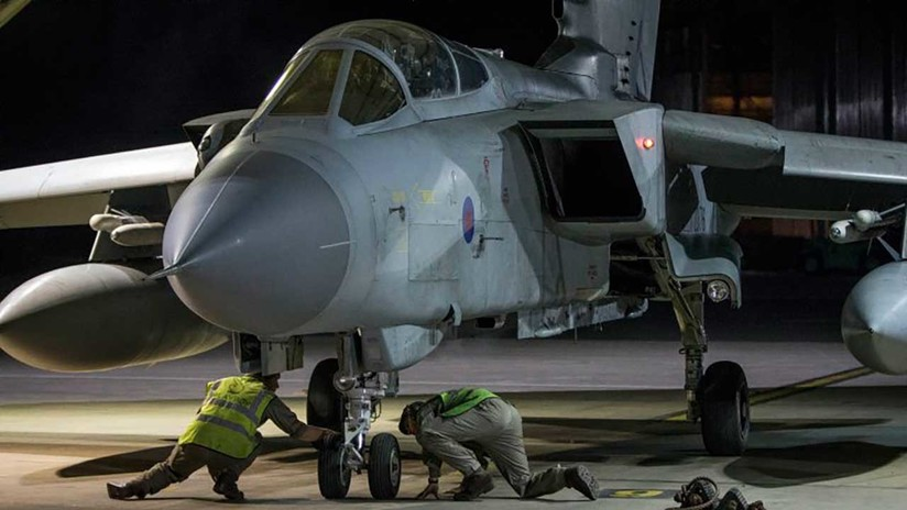 VIDEO, FOTOS: Reino Unido exhibe los aviones que esta noche usó para atacar a Siria
