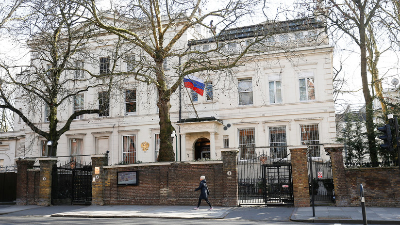 """Embajada rusa en Londres: """"El pretexto, la base legal y el motivo del ataque a Siria son falsos"""""""
