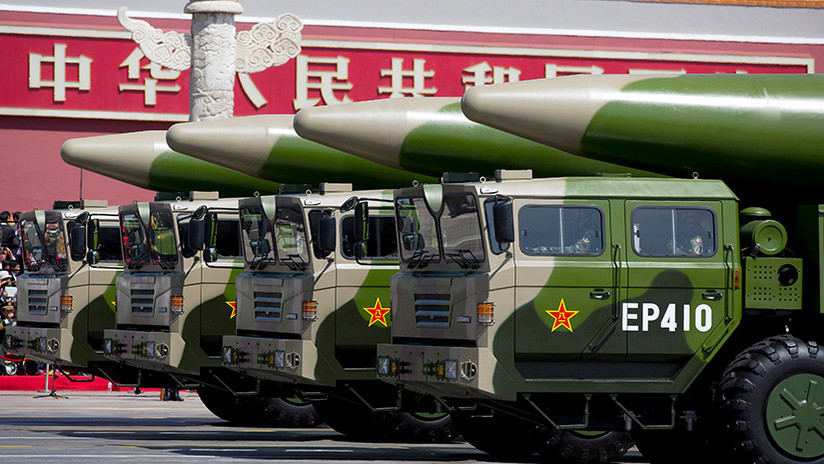 VIDEO: El Ejército de China incorpora un nuevo misil balístico de mediano alcance