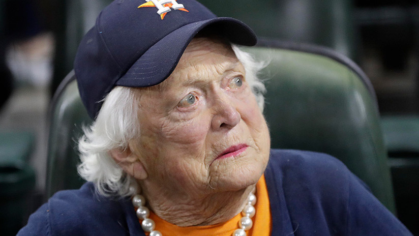 """DO NOT PUBLISH"": CBS publica por error un obituario de Barbara Bush"