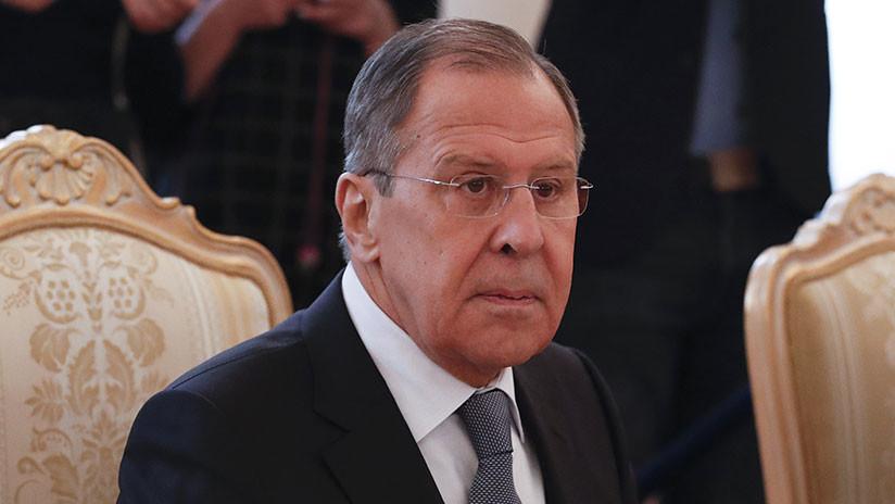 """Lavrov revela por qué EE.UU. quiere """"castigar"""" al pueblo ruso con sanciones"""