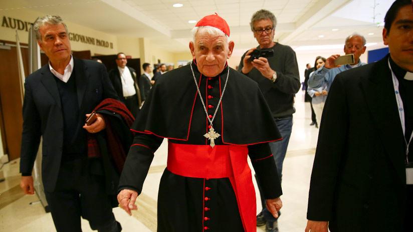 Imparten en El Vaticano un curso para practicar exorcismos a través del teléfono celular