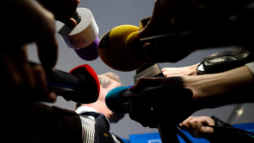 """Moscú: """"El flujo de información del Occidente aplasta con su peso a los medios nacionales"""""""
