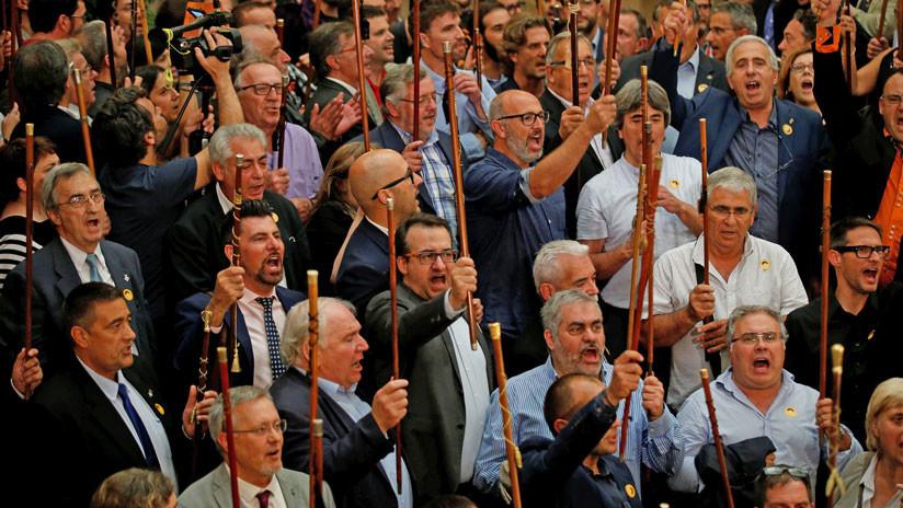 700 alcaldes catalanes son investigados por la Fiscalía por el referéndum del 1 de octubre