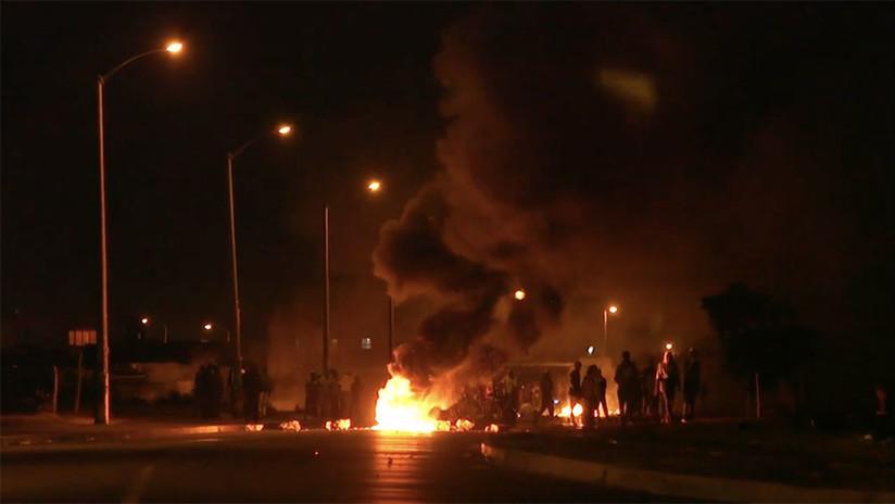 Violencia y disparos durante el desalojo de un asentamiento ilegal en Ciudad del Cabo (VIDEO)