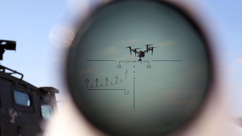 """Rusia desarrolla armas radioelectrónicas que """"vuelven locos"""" a los drones enemigos"""