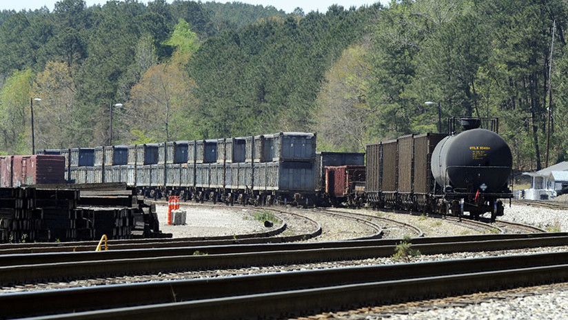"""""""Huele a muertos"""": Cómo el 'tren de la mierda' llegado de Nueva York apestó a un pueblo de Alabama"""