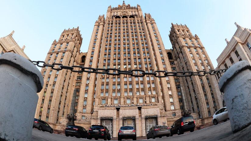 Evacúan en Moscú al personal de la Cancillería por amenaza de bomba