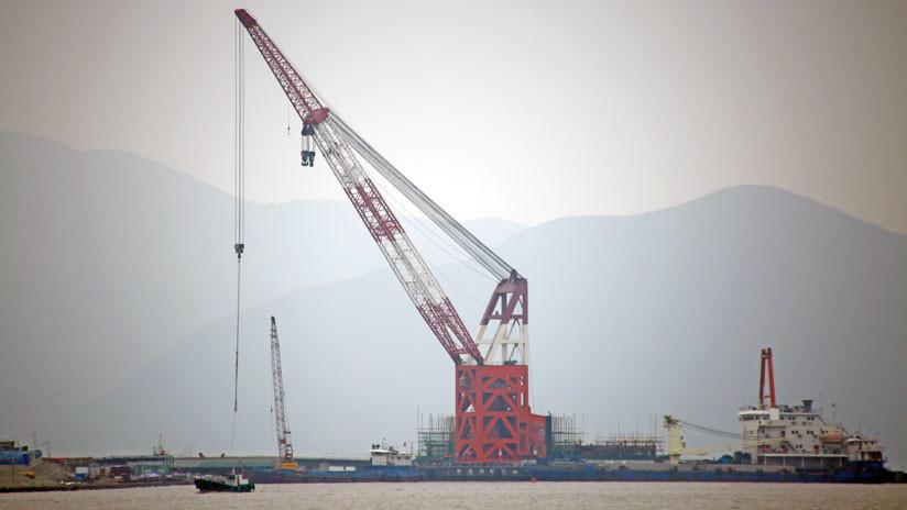 La demanda récord de China y los conflictos en Oriente Medio disparan el precio del petróleo