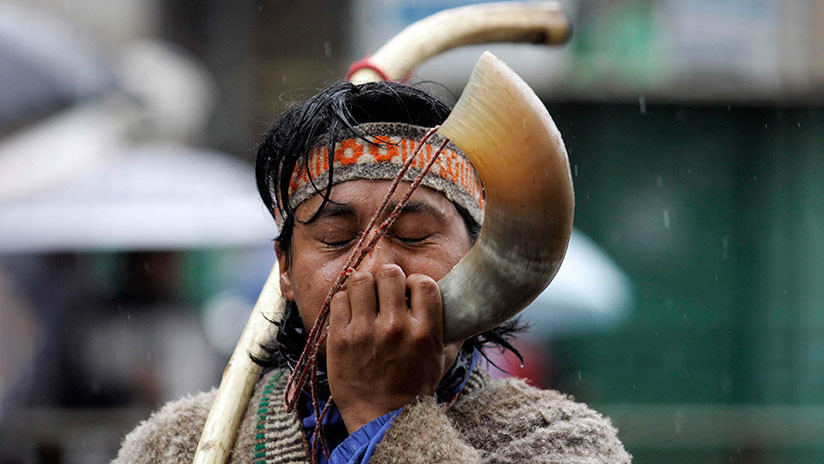 """""""Borrachos que no trabajan"""": Cambian la Wikipedia del Pueblo Mapuche desde IP del Gobierno de Chile"""
