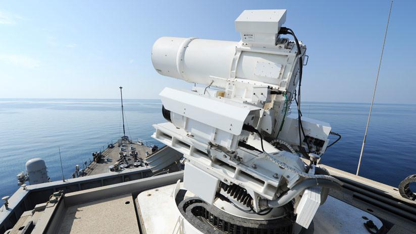 EE.UU. estrena el buque de asalto anfibio que albergará un súper láser de combate