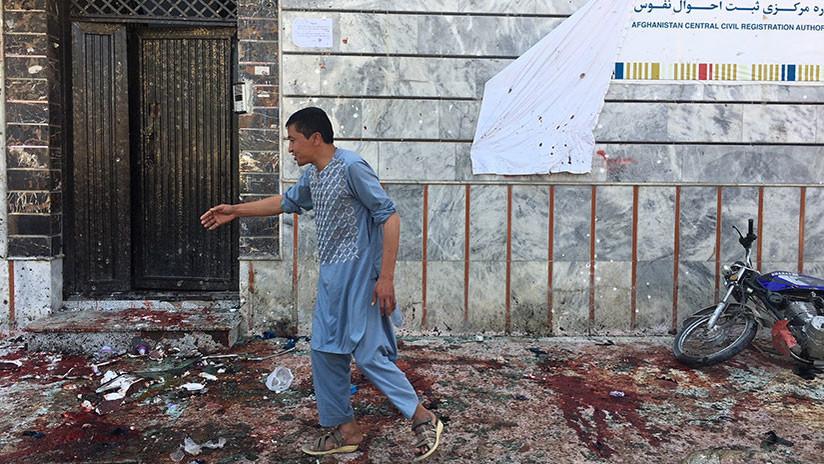 Atentados suicida contra centro electoral deja 48 muertos en Kabul