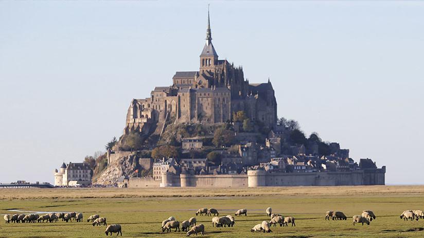 Evacuan a turistas de famosa abadía en Francia por amenaza