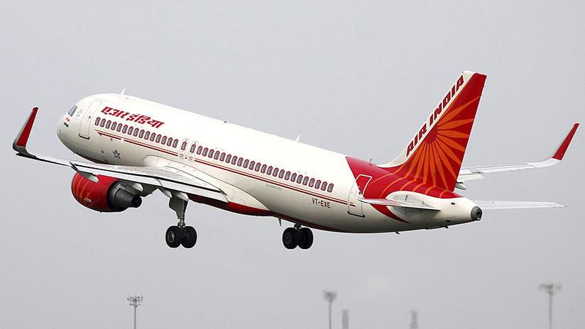 OMG; Avión de la India se queda sin ventanilla tras sufrir turbulencia