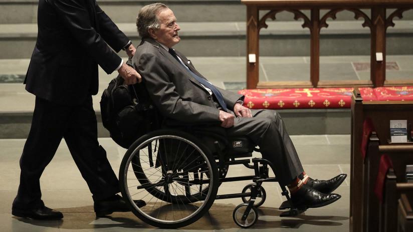 FOTO: George H. W. Bush viste una prenda especial para el funeral de su mujer